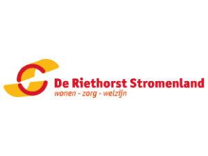 Verpleegkundigen van De Riethorst Stromenland thuiszorg volgen de module tracheacanule verzorgen.